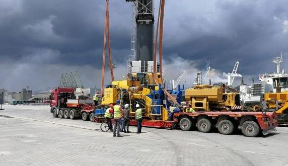 Veslam Complete Delivery of Heavy Pipelaying Machinery